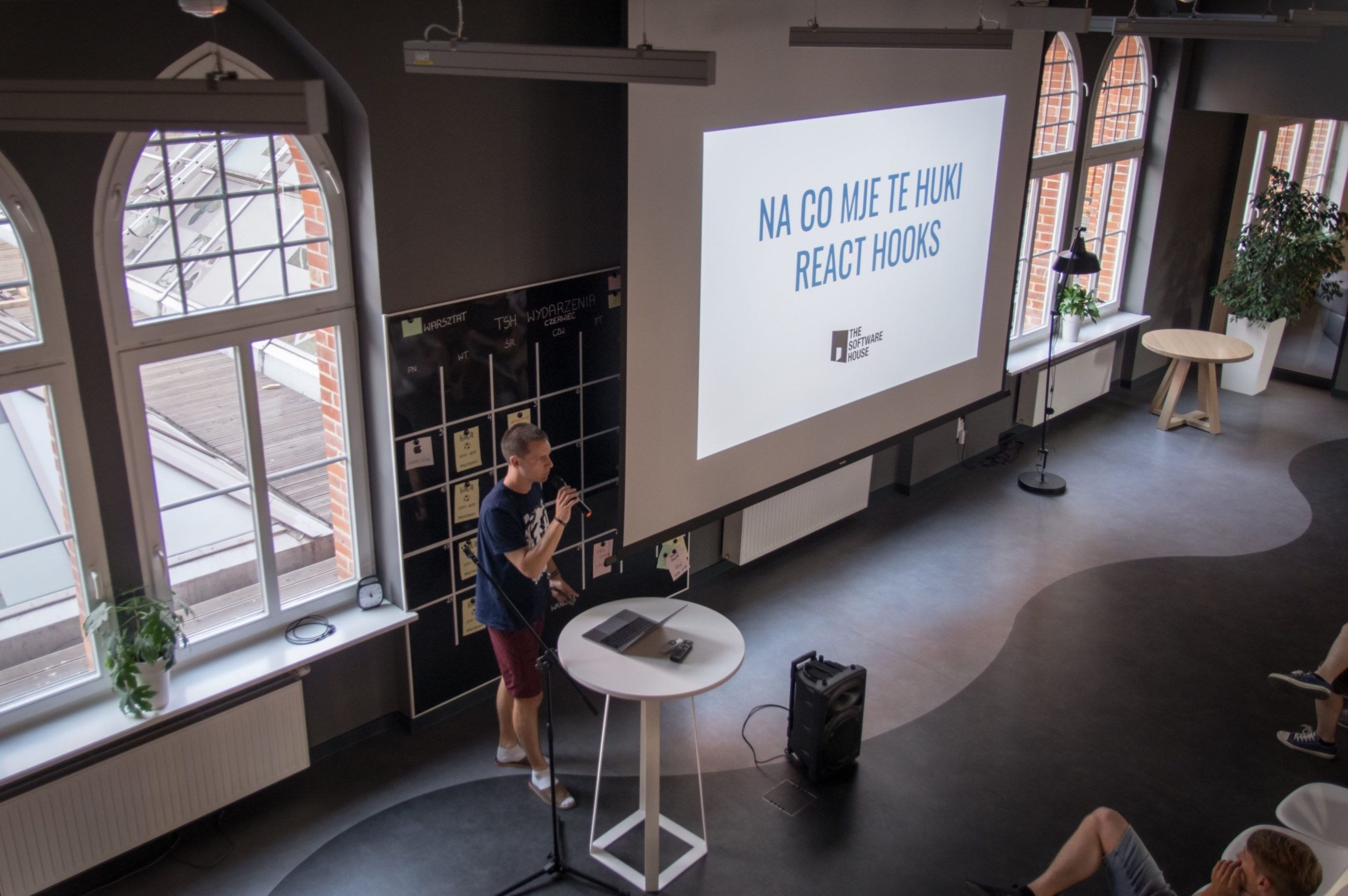 developer presentation during meetup